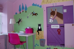 Girls pink Pony Room